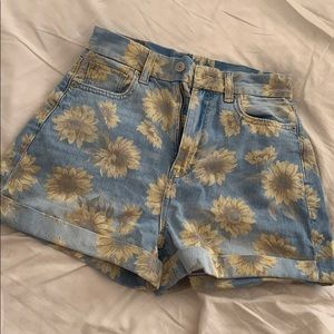 "American Eagle Sunflower High Waisted ""Mom"" Shorts"